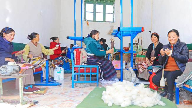 Weaving the tale of poverty alleviation in Tibet