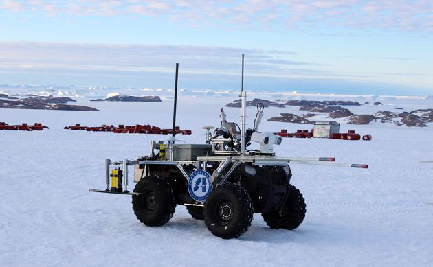 A Chinese-made robot developed for ice cap exploration is employed in Antarctica. [File photo provided by Shenyang Institute of Automation of the Chinese Academy of Sciences to huanqiu.com]