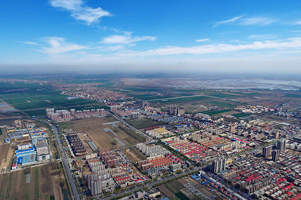 Aerial photo taken on April 1, 2017 shows Anxin county, North China's Hebei province. [Photo: Xinhua]