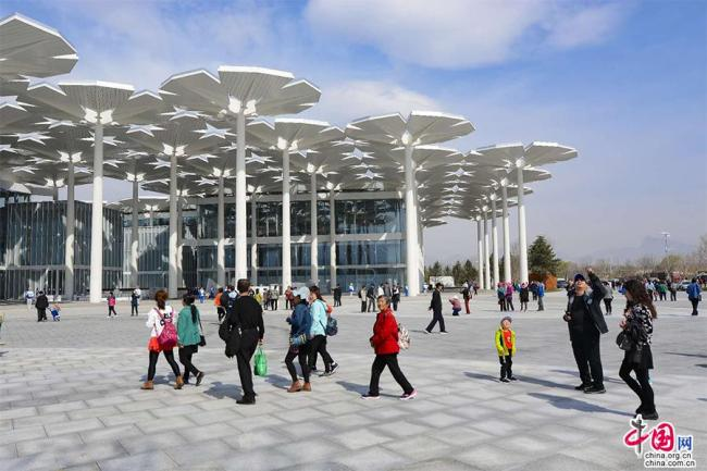 People visit the site for the upcoming Beijing International Horticultural Exhibition during a trial opening on April 13, 2019. [Photo: china.org.cn]