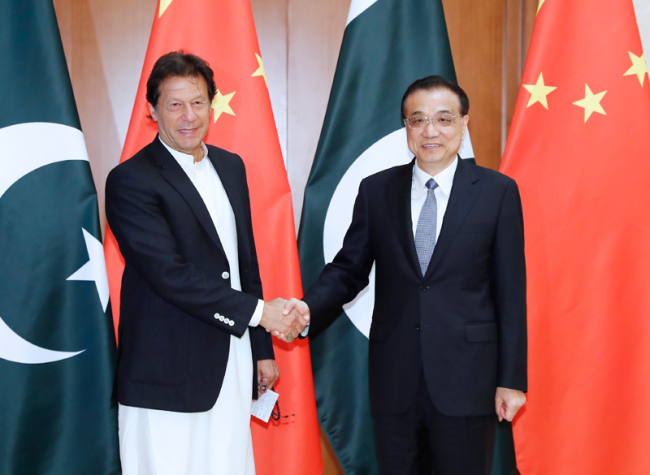 Chinese Premier Li Keqiang meets with Pakistani Prime Minister Imran Khan in Beijing on April 28, 2019. [Photo: gov.cn]