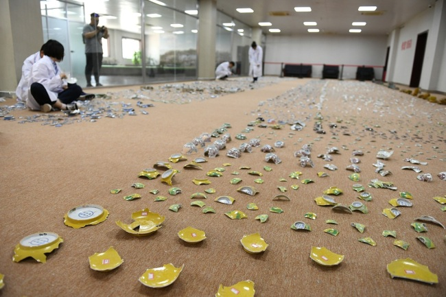 Broken pieces of the cultural relics unearthed in Yuanmingyuan. [Photo: IC]