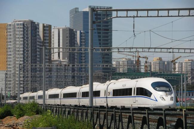 The Beijing-Tianjin intercity high-speed railway, opened in August, 2008, ushered in a new era of building brand new, high-standard fast railways across China. [Photo: vcg.com]