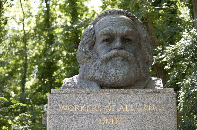 The grave of the German philosopher, economist and revolutionary socialist Karl Marx at Highgate Cemetery in north London, UK. [File Photo: IC]