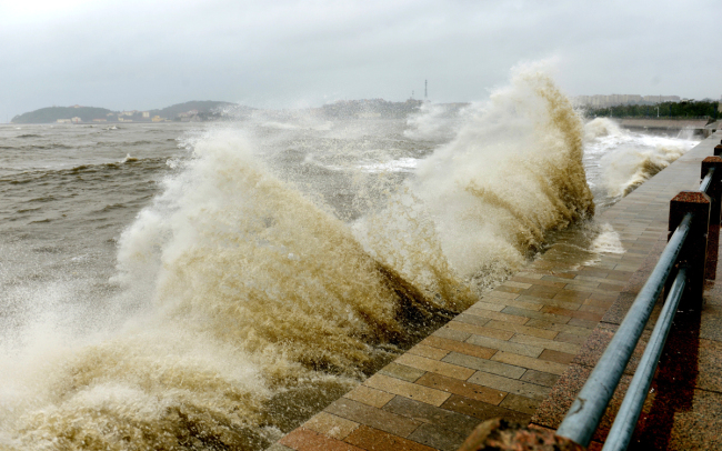 Typhoon Lekima is expected to make a second landing along the coastline in Shandong Province late Sunday, August 11, 2019. The coastal city of Qingdao issued a red alert for heavy rain. [Photo: IC]