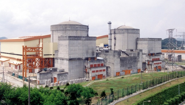View of the nuclear reactors of China's first nuclear power plant, Daya Bay Nuclear Power Plant, in Guangdong Province, April, 2004. [File Photo: IC]