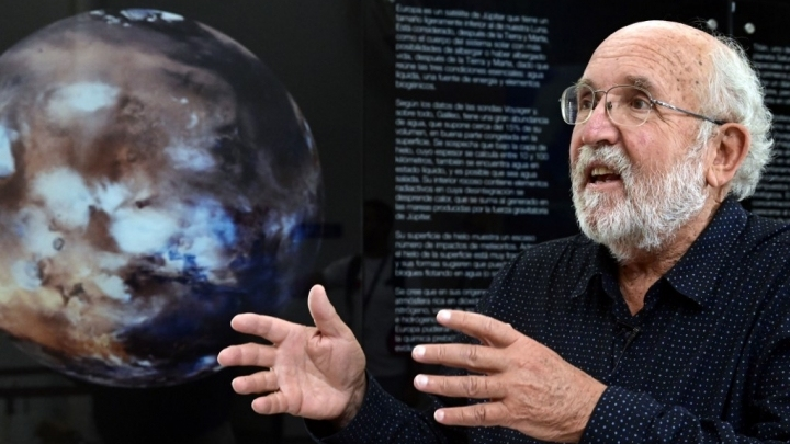 Humans will not 'migrate' to other planets, Nobel winner says