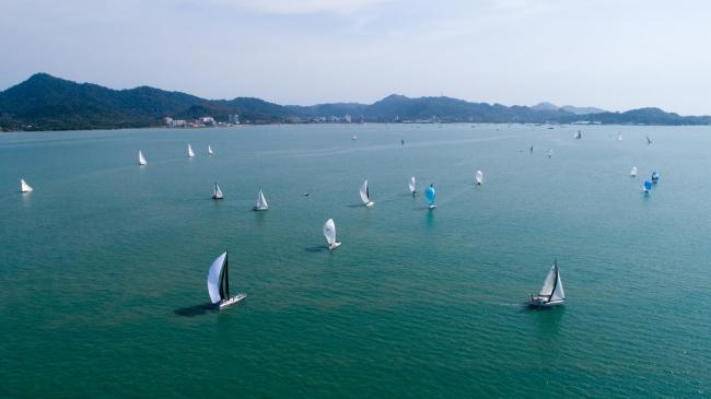 Boats compete during the Belt and Road International Regatta Malaysia stage in Langkawi, Malaysia on Jan 11, 2020. [Photo provided to China Plus]